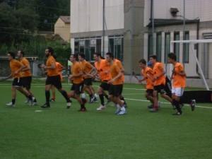 La prima squadra durante un allenamento settimanale